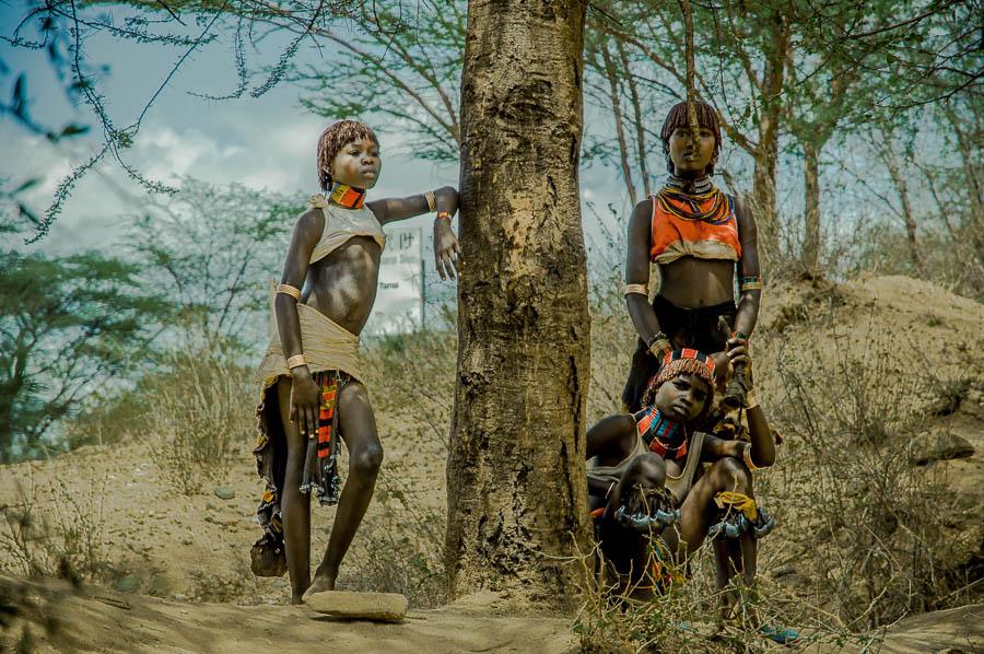Tribu Hamer en Etiopía durante la ceremonia Bull Jumping