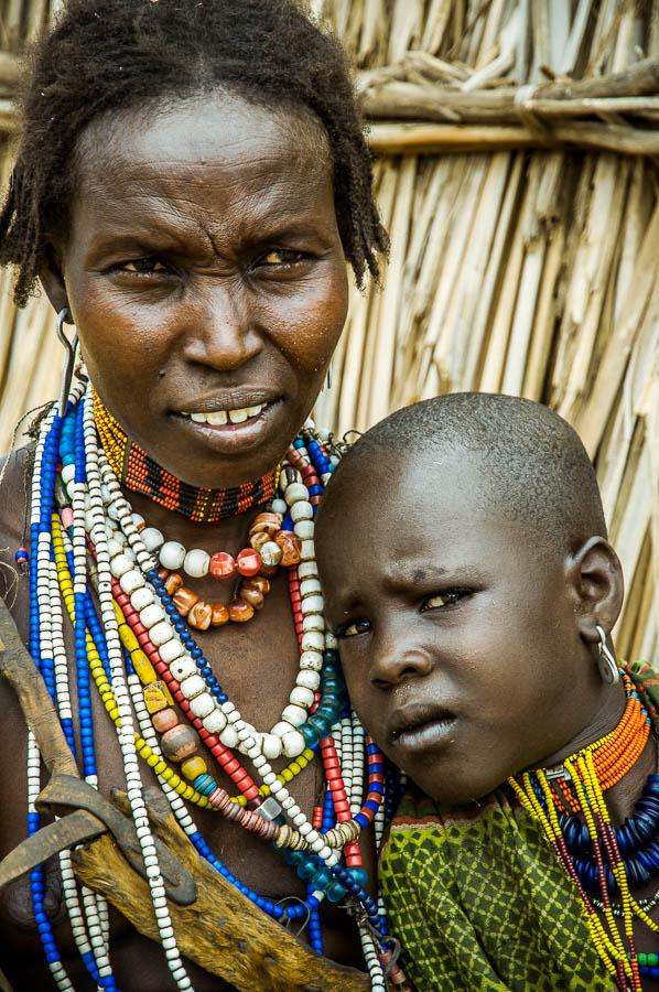 Familia , tribu Arbore, Etiopía