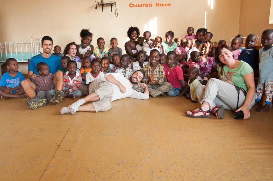 Tribus Etiopia. niños mingi