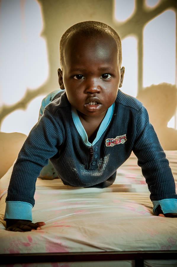 Orfanato Omo Child, Niños mingi. Tribus de Etiopía