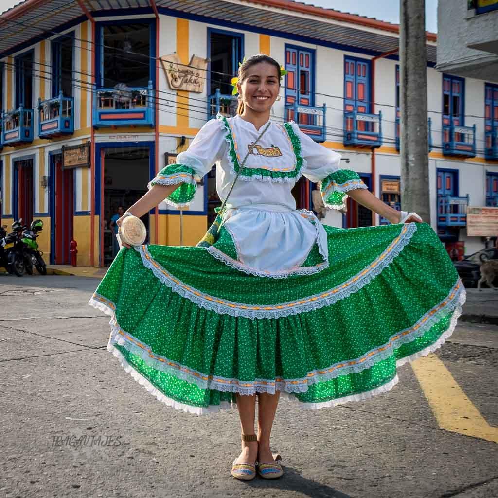Itinerario por el Eje Cafetero colombiano - Mujer paisa