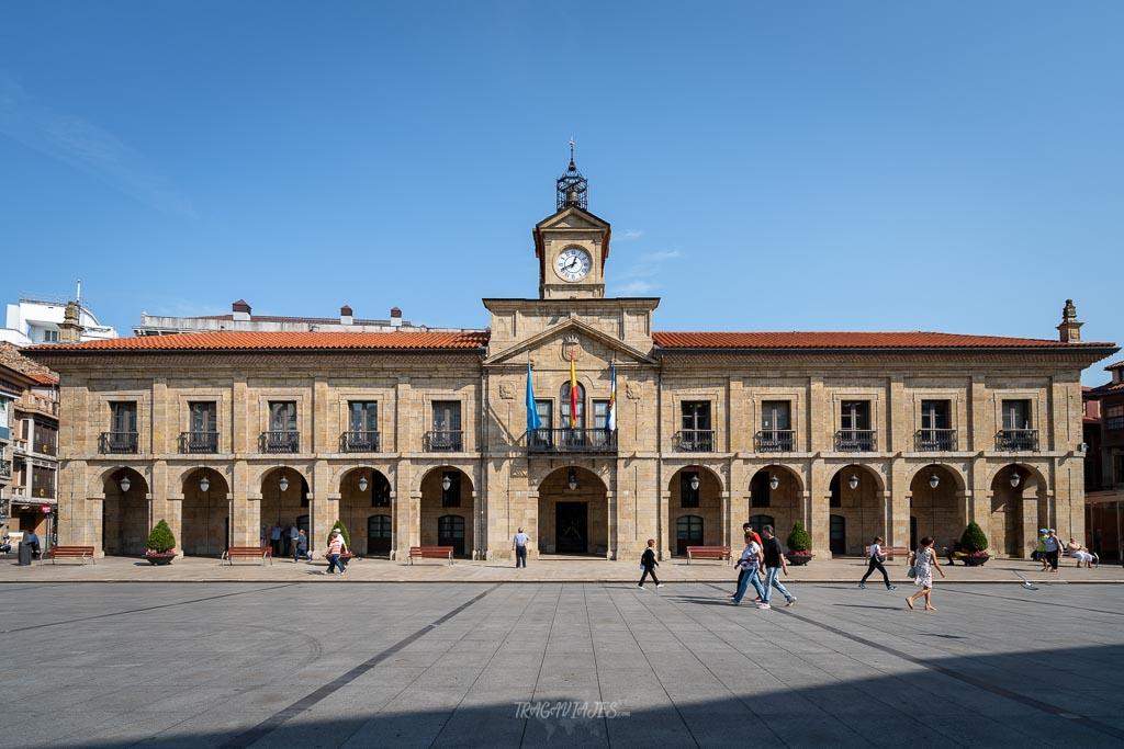Qué ver en Avilés - Plaza España