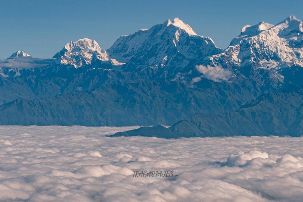 Qué ver en Pokhara - La cordillera del Himalaya desde el avión