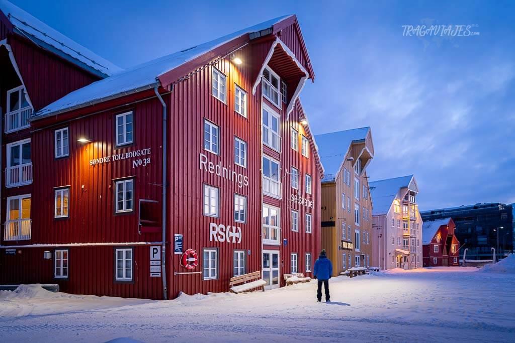 Tromso en Noruega - Casas tradicionales del puerto de Tromso