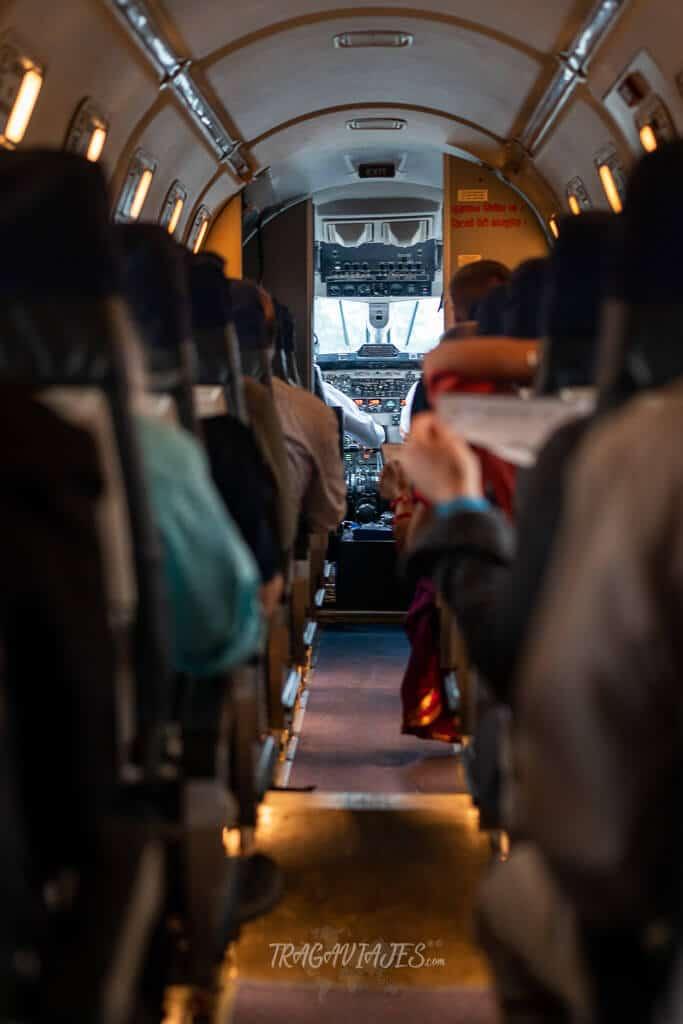 Qué ver en Katmandú en 4 días - Interior de la avioneta