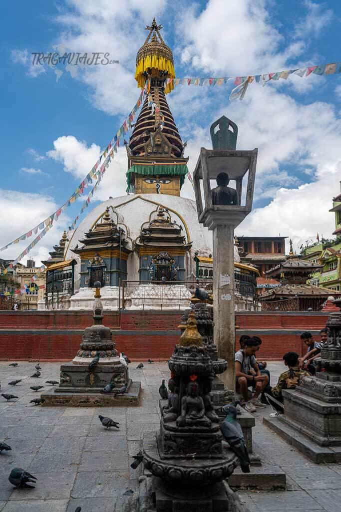 Qué ver en el valle de Katmandú - Plaza de Kathesimbu stupa
