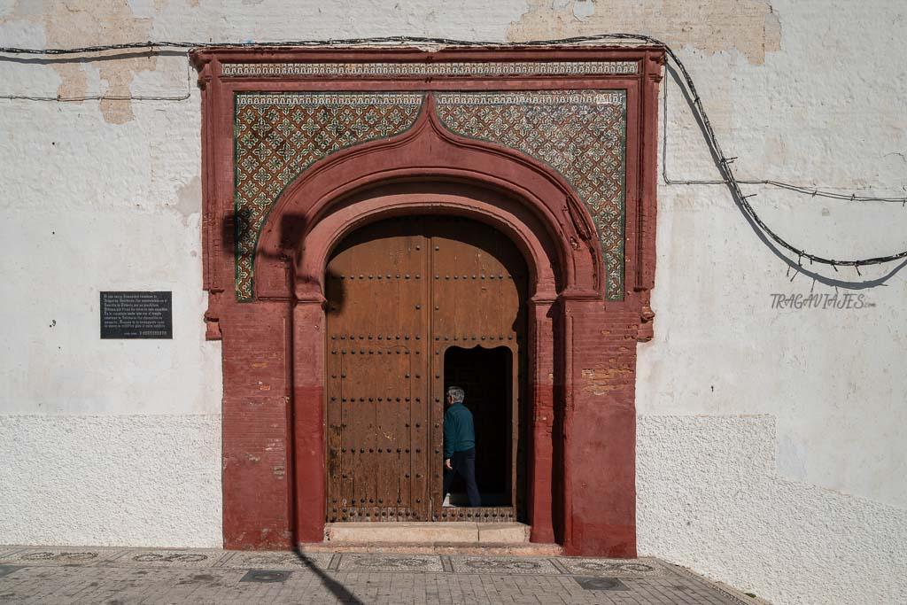 Qué ver y hacer en Salobreña - Entrada de la Iglesia de Nuestra Señora del Rosario