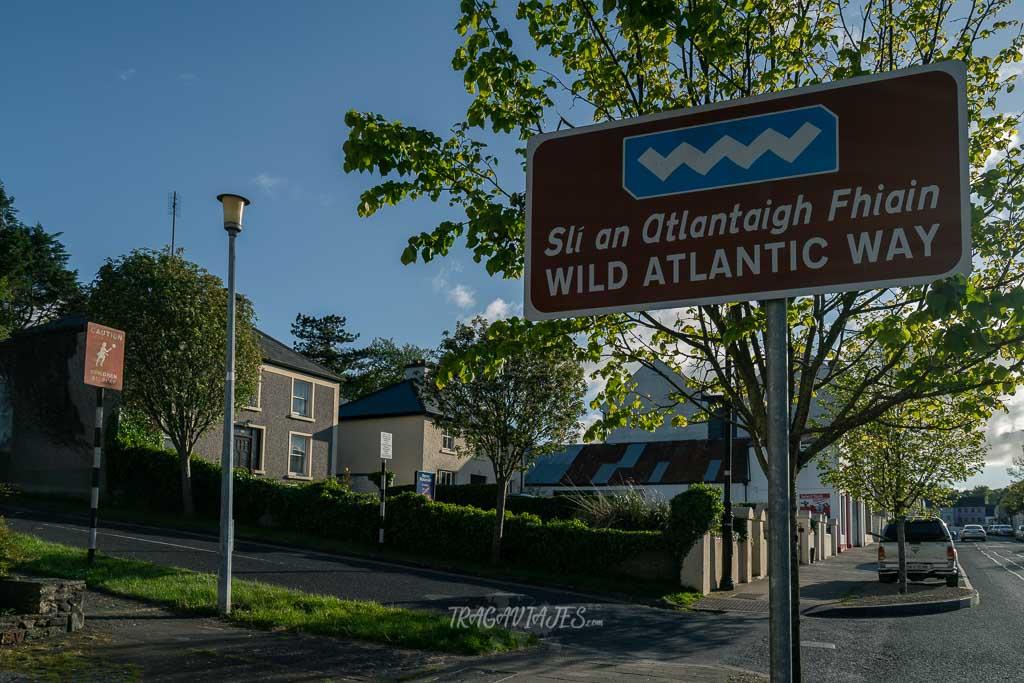 Ruta Costera Atlántica de Irlanda - Señal de la Wild Atlantic Way