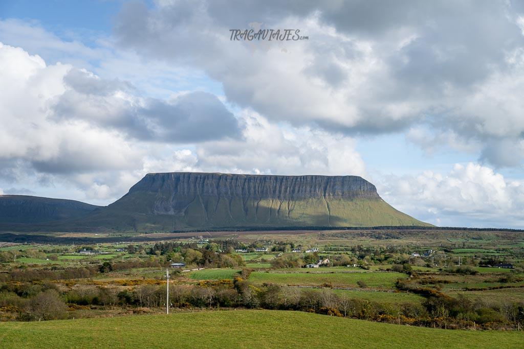 Ruta en coche por Irlanda - Montaña de Ben Bulben