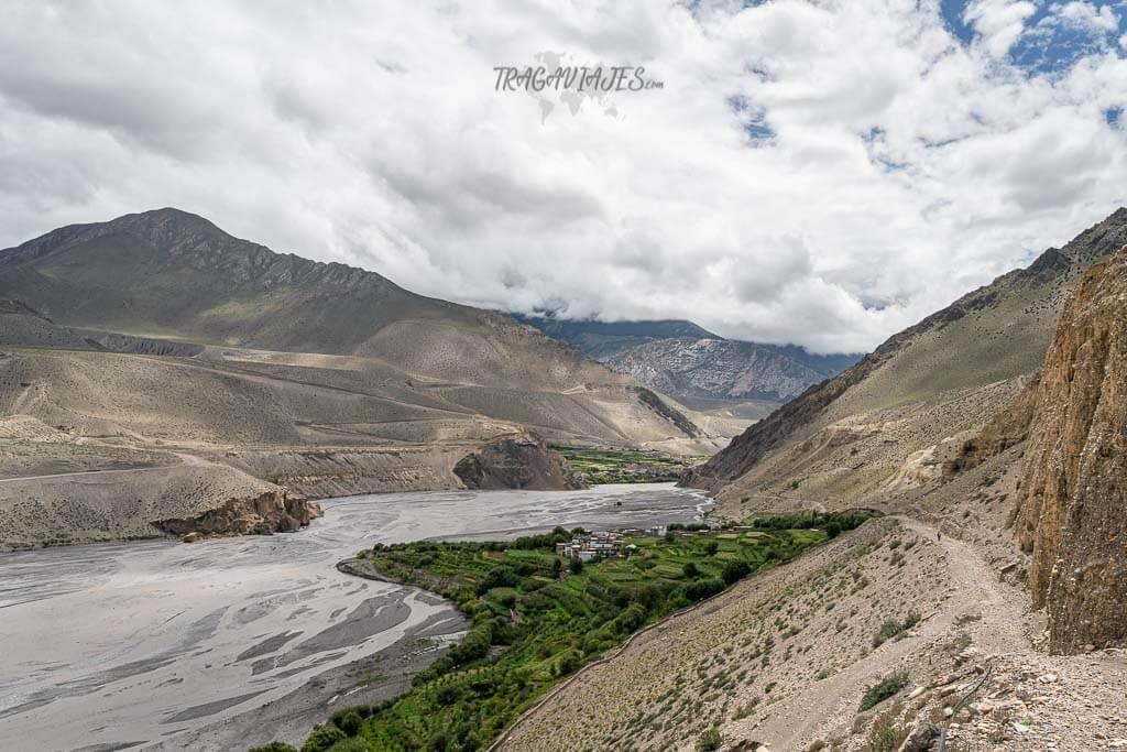 Trekking Lower Mustang - Vista de Tiri