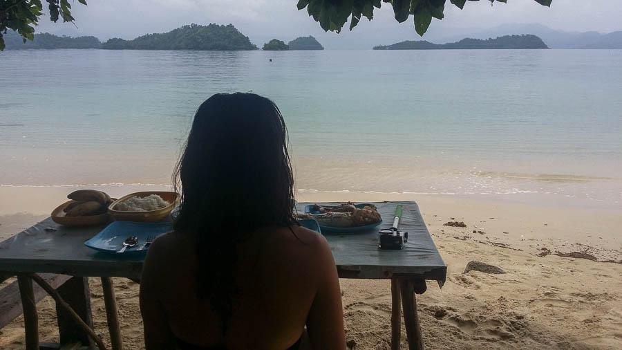 Comida durante el Island Hopping, Port Barton, Filipinas