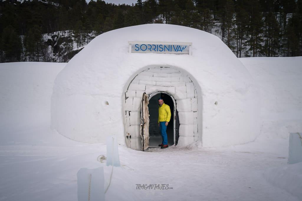 Dormir en un hotel de hielo - Entrada