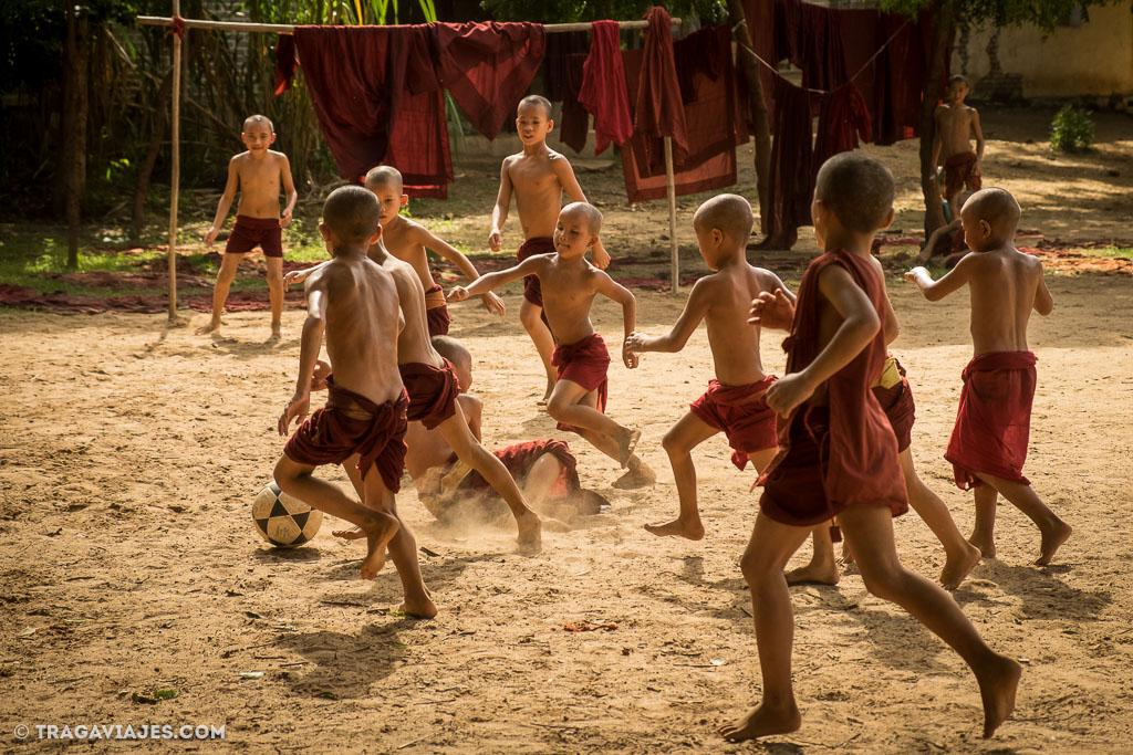 Explotación infantil, niños trabajando en Myanmar