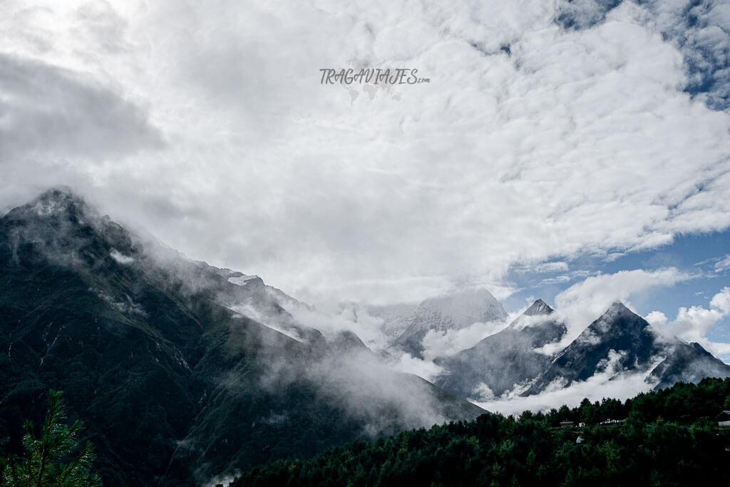Guía de Nepal - Vista de camino al campo base del Everest