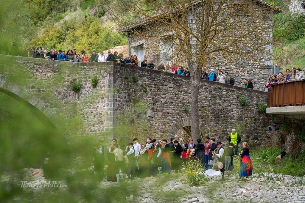 Fiestas de almadías en la ruta por Navarra