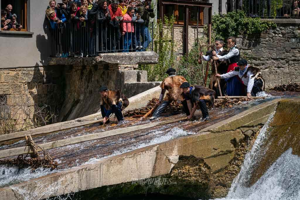 Fiestas de Navarra - Día de la Almadía