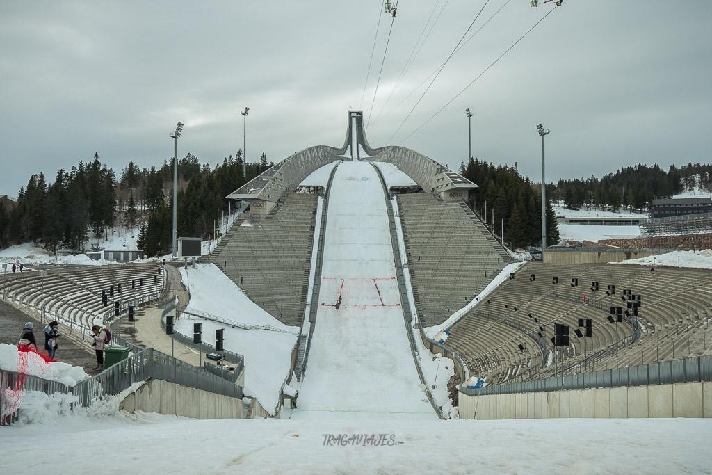 qué ver en oslo en un día, salto de esquí de Holmenkollbakken