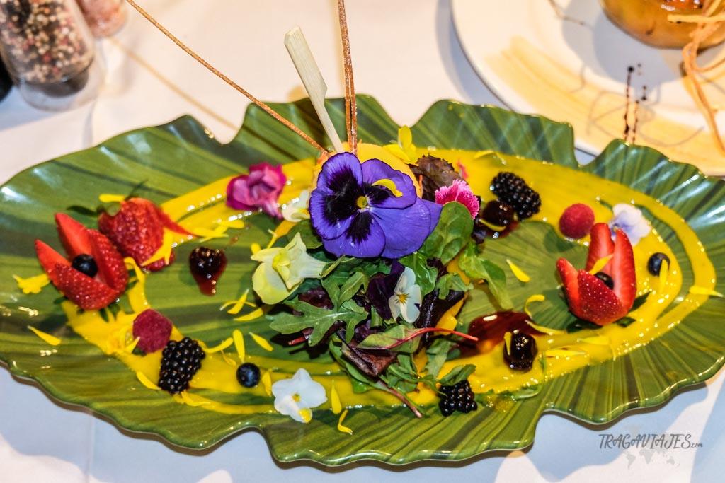 Qué ver en Salobreña- Ensalada Tropical restaurante la Bahía