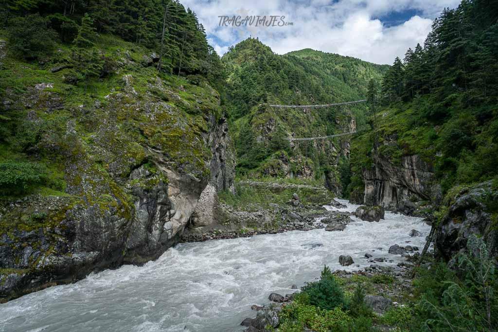 Trekking al campo base del Everest - Puente Hillary