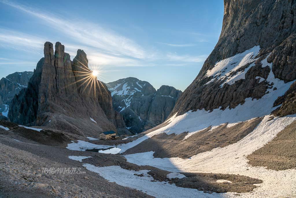 trekking torres vajolet dolomitas - Amanecer desde paso Santner